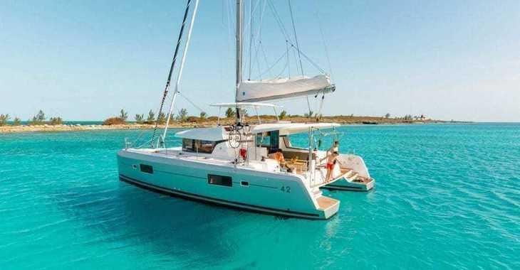 Rent a catamaran in Nanny Cay - Lagoon 42