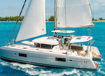 Rent a catamaran in Road Reef Marina - Lagoon 42