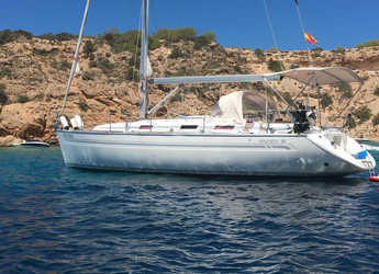 Rent a sailboat in Club Naútico de Sant Antoni de Pormany - Bavaria 38 Cruiser