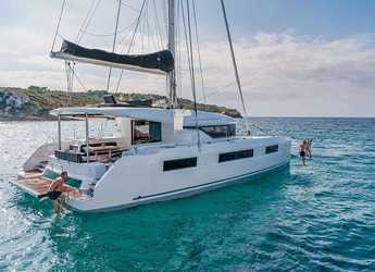 Rent a catamaran in JY Harbour View Marina - Lagoon 50