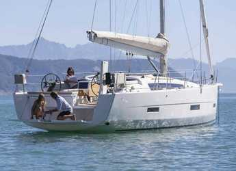 Rent a sailboat in Club Marina - Dufour 430