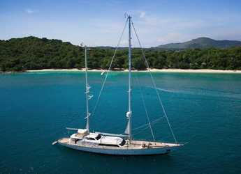 Rent a schooner in Yacht Haven Marina - Perini 131