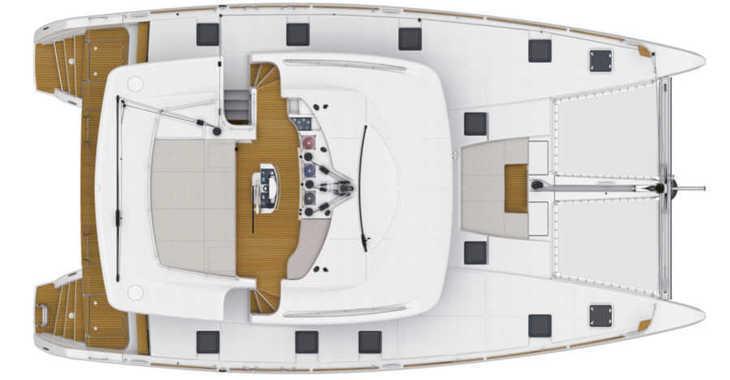 Rent a catamaran in Paroikia - Lagoon 52