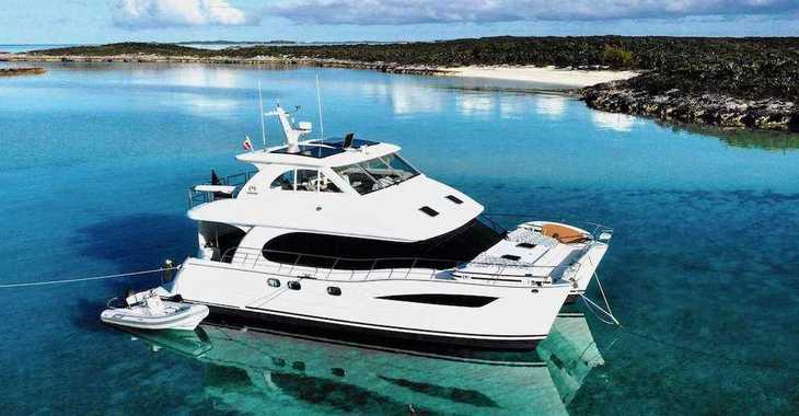 Rent a power catamaran  in Palm Cay Marina - Horizon 52