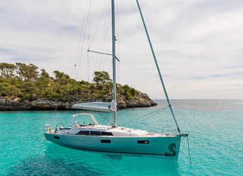 Rent a sailboat in Alimos Marina Kalamaki - Oceanis 41.1