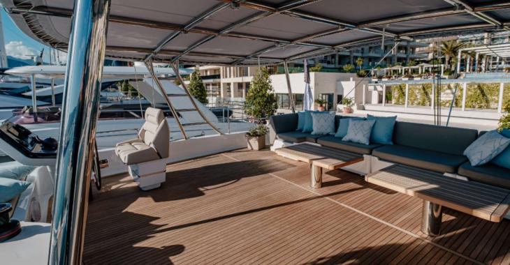 Rent a power catamaran  in Palm Cay Marina - Sunreef 60