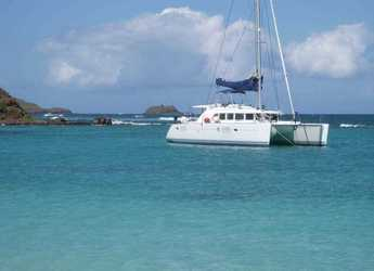 Rent a catamaran in Belize city - Lagoon 44