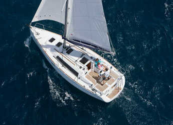 Rent a sailboat in Port Purcell, Joma Marina - Oceanis 31