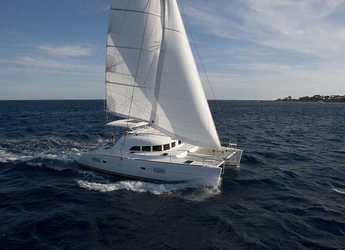 Rent a catamaran in Portocolom - Lagoon 380 S2 (4Cab)
