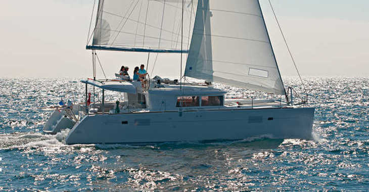 Rent a catamaran in Portocolom - Lagoon 450 (4+2Cab)