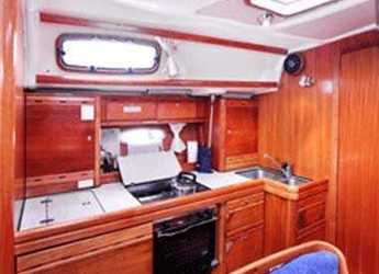 Rent a sailboat in Abel Point Marina - Bavaria 39 Cruiser