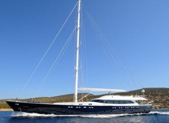 Rent a dinghy in Bodrum Marina - Gulet Gulmaria