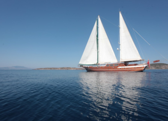 Rent a schooner in Bodrum Marina - Gulet 32