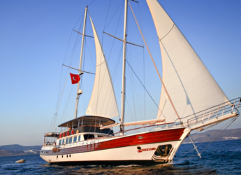 Rent a schooner in Bodrum Marina - Gulet Oguzbey