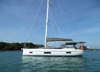 Rent a sailboat in Yacht Haven Marina - Bavaria 45