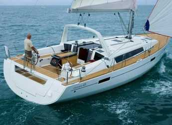 Rent a sailboat in ACI Pomer - Oceanis 45 4 cabins