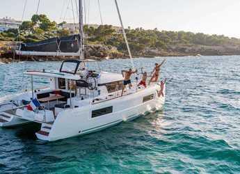 Rent a catamaran in Preveza Marina - Lagoon 40