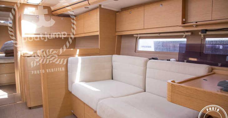 Rent a sailboat in Muelle de la lonja - Dufour 512