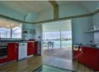 Chartern Sie floating villa in Marina Le Marin - AQUALODGE