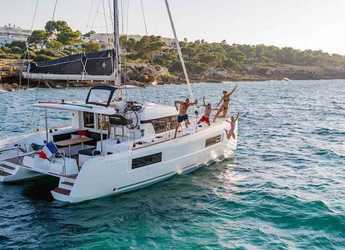 Rent a catamaran in Punat - Lagoon 40