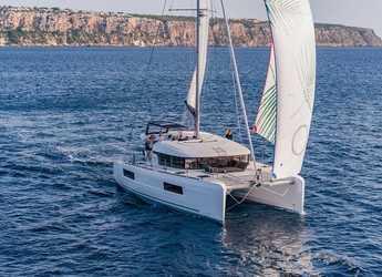 Rent a catamaran in Marina Port Pin Rolland - Lagoon 40