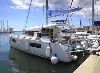 Rent a catamaran in YachtClub Seget - Lagoon 40