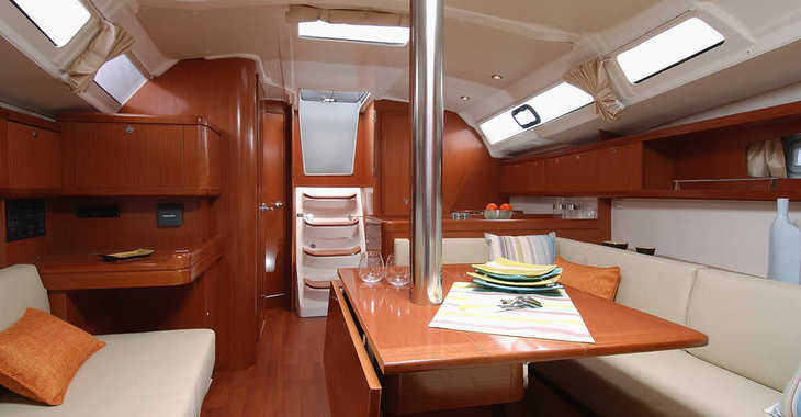 Alquilar velero en Port Hamble Marina - Oceanis 37