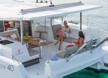 Rent a catamaran in Port Tino Rossi - Lucia 40