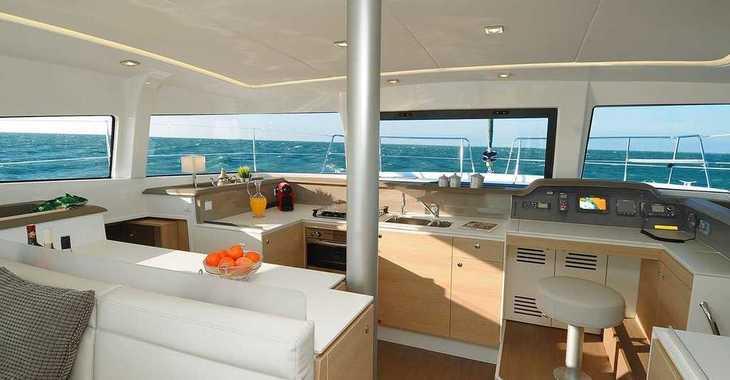 Rent a catamaran in Portu Valincu - Bali 4.1