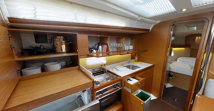 Rent a sailboat in Marina Frapa - Dufour 390 Grand Large