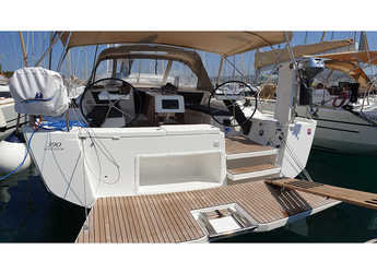 Chartern Sie segelboot in Marina Frapa - Dufour 390 Grand Large