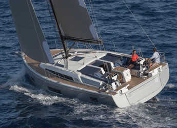 Rent a sailboat in JY Harbour View Marina - Oceanis 51.1