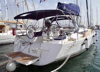 Rent a sailboat in Le port de la Trinité-sur-Mer - Sun Odyssey 469
