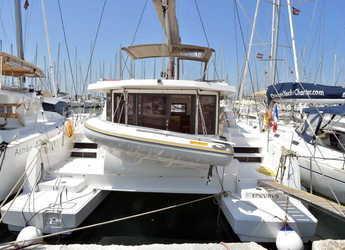Rent a catamaran in Marina Zeas - Bali 4.0