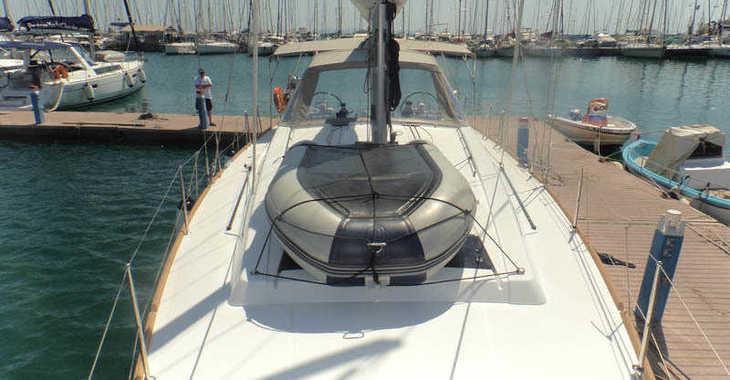 Rent a sailboat in Paroikia - Oceanis 45