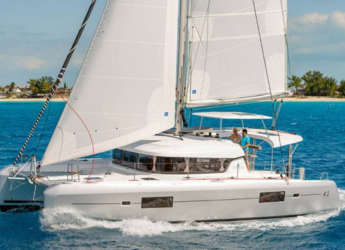 Rent a catamaran in Port of Lefkada - Lagoon 42