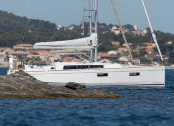 Rent a sailboat in Marina Kremik - Oceanis 38.1