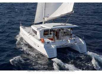 Rent a catamaran in Orhaniye marina - Lagoon 420