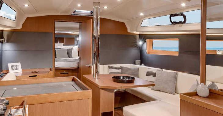 Rent a sailboat in Marina Skiathos  - Oceanis 41.1_2020
