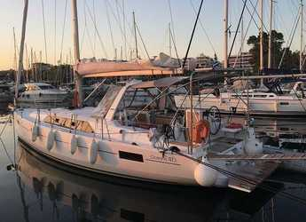 Rent a sailboat in Marina Skiathos  - Oceanis 41.1_2020