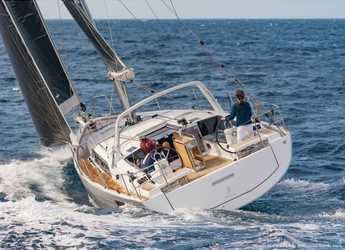 Rent a sailboat in Lefkas Nidri - Oceanis 41.1_2020