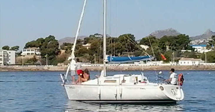 Rent a sailboat in Club Nautico de Altea  - Bénéteau FIRST 28.5