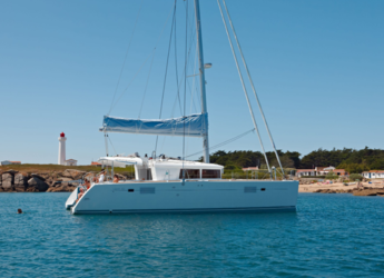 Rent a catamaran in Club Naútico de Sant Antoni de Pormany - Lagoon 450