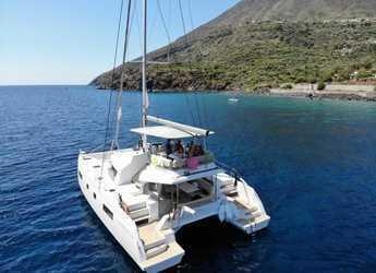 Rent a catamaran in Marina d'Arechi - Nautitech 46 Fly