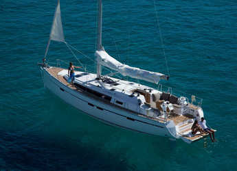 Rent a sailboat in Marina Skiathos  - Bavaria Cruiser 46