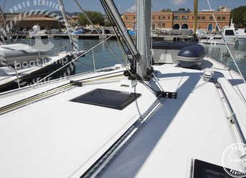 Rent a sailboat in Muelle de la lonja - Beneteau Oceanis 48