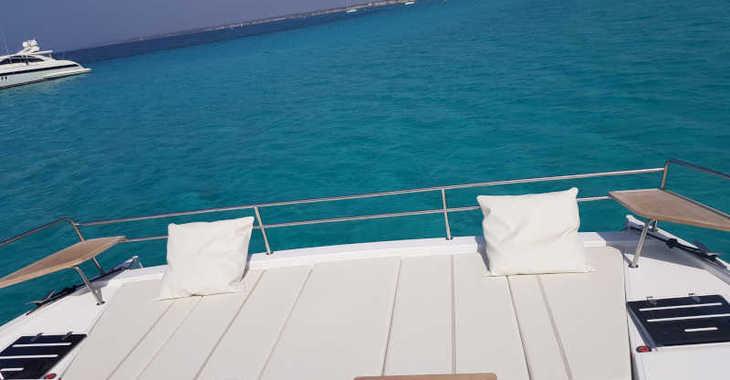 Rent a power catamaran  in Club Naútico de Sant Antoni de Pormany - Bali 4.3 MY