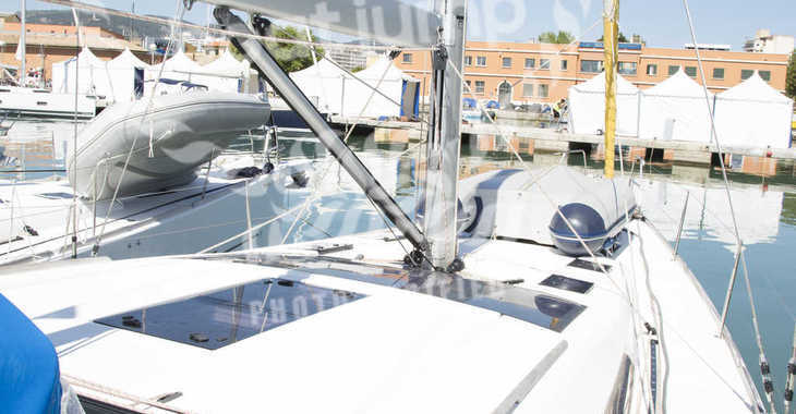 Rent a sailboat in Muelle de la lonja - Dufour 500 GL