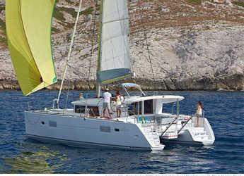 Chartern Sie katamaran in Marina di Cannigione - Lagoon 400-S2 (4Cab)