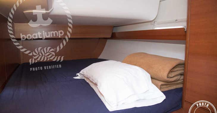 Rent a sailboat in Muelle de la lonja - Dufour 460